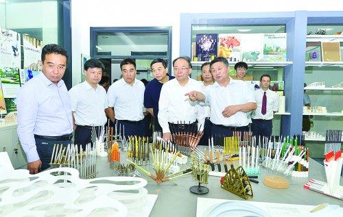 李小敏来到惠山区走访慰问一线教师和教育工